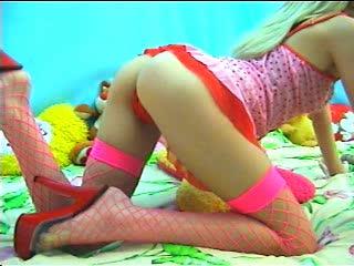 blonde-cam-babe-sexyfoxx18
